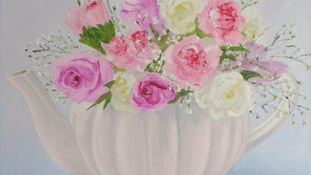 Roses in teapot